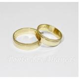 aliança de casamento simples
