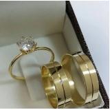 aliança de ouro de casamento