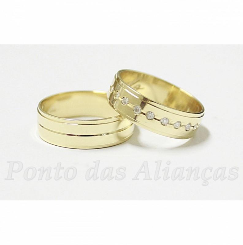 Aliança de Casamento com Pedra sob Encomenda Jardim Iguatemi - Aliança de Casamento em Ouro