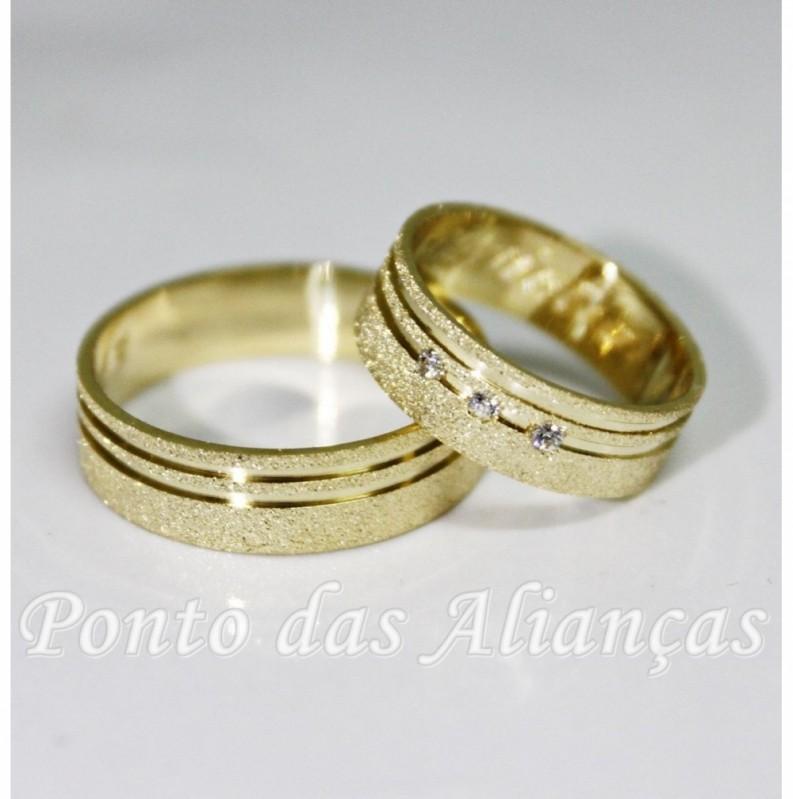 Aliança de Casamento com Pedra Zona Leste - Aliança de Casamento Ouro Branco