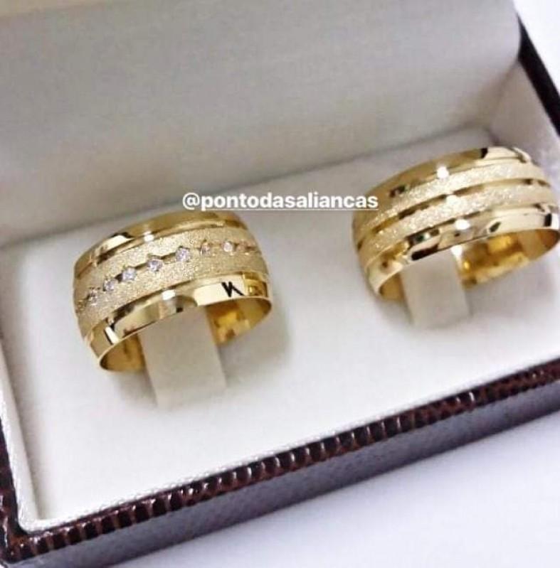 Alianças de Casamento com Pedra Sapopemba - Aliança de Casamento de Ouro Branco