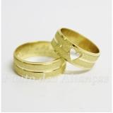 aliança de ouro com coração por encomenda Jd São joão