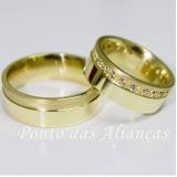 aliança de ouro com pedra por encomenda Pari