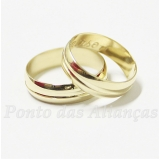 alianças de casamento simples Luz