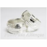 alianças de compromisso de prata